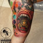 LTwoodsART_newschool-tattoo_bee-mouth